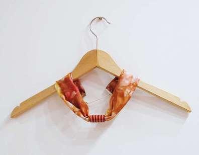 Šilkinis kaklo papuošalas