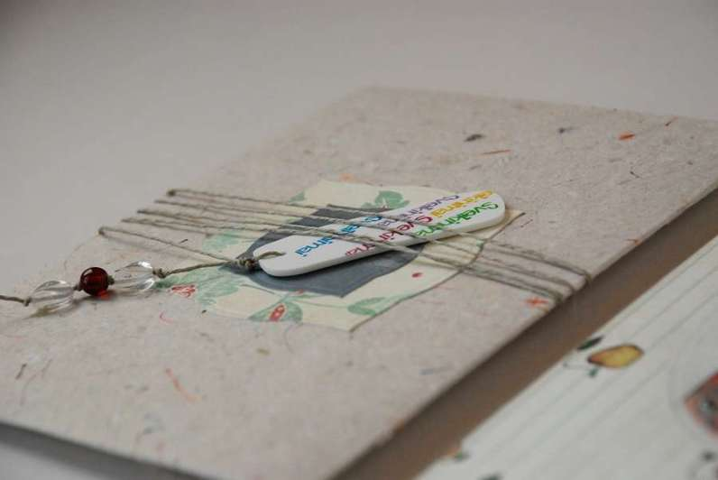 vokas iš rankų darbo popieriaus