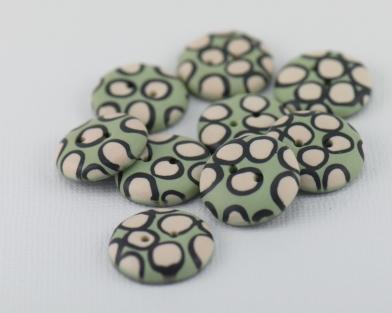 rankų darbo margos sagos iš polimerinio molio